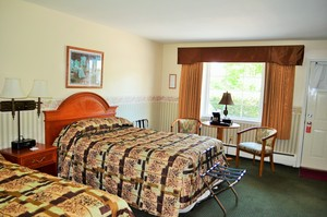 Room with Two Double Beds Photo 2